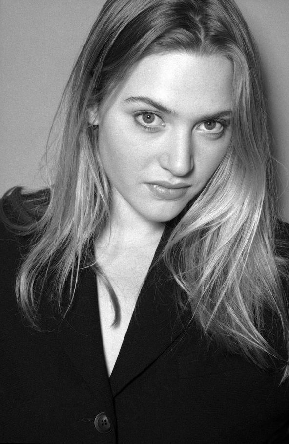 Кейт Уинслет в 1996 году в фотосессии Алана Стратта