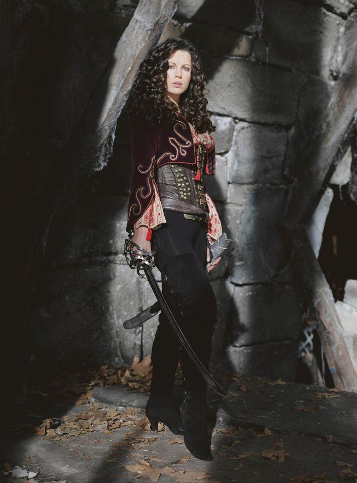Кейт Бекинсейл в фотосессии для фильма Ван Хельсинг