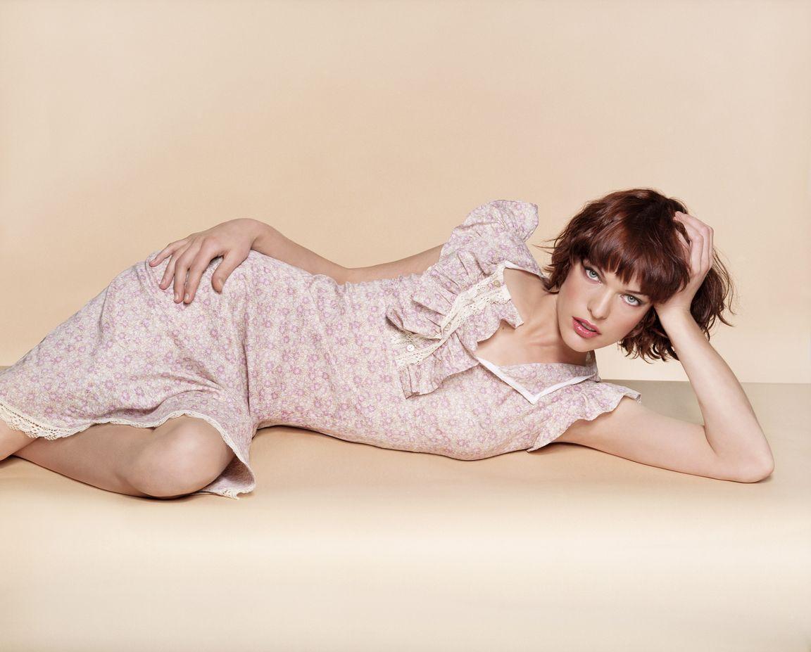 Милла Йовович в фотосессии Джеймса Уайта для журнала Glamour