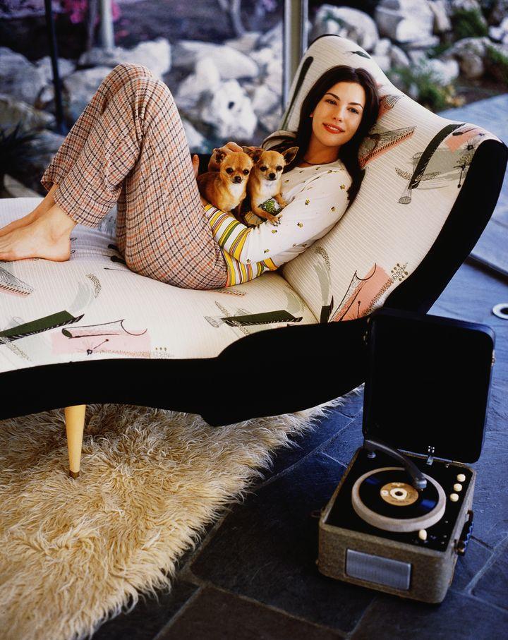 Лив Тайлер в 1993 году в фотосессии Марка Селиджера