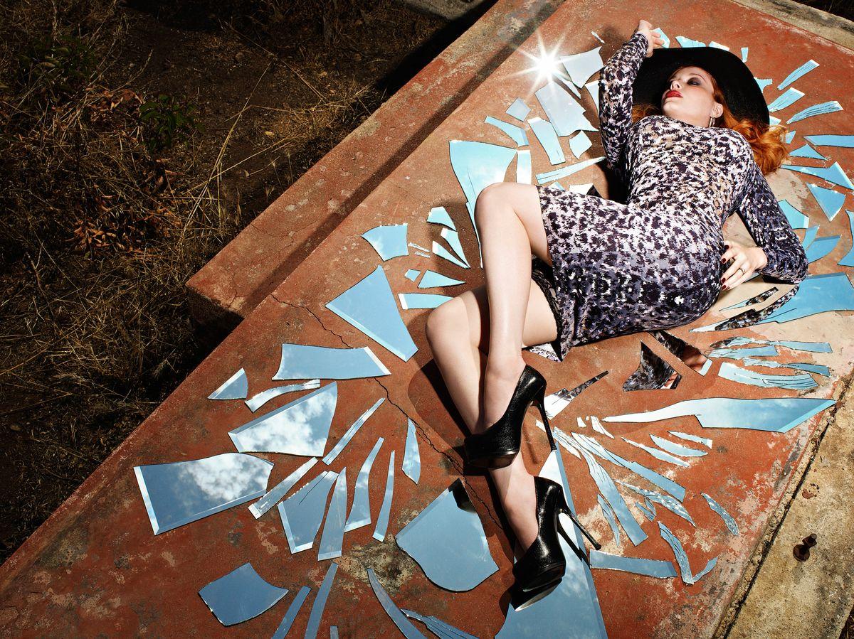 Кристина Хендрикс в фотосессии Маттиаса Вринса-МакГрата для журнала Stern