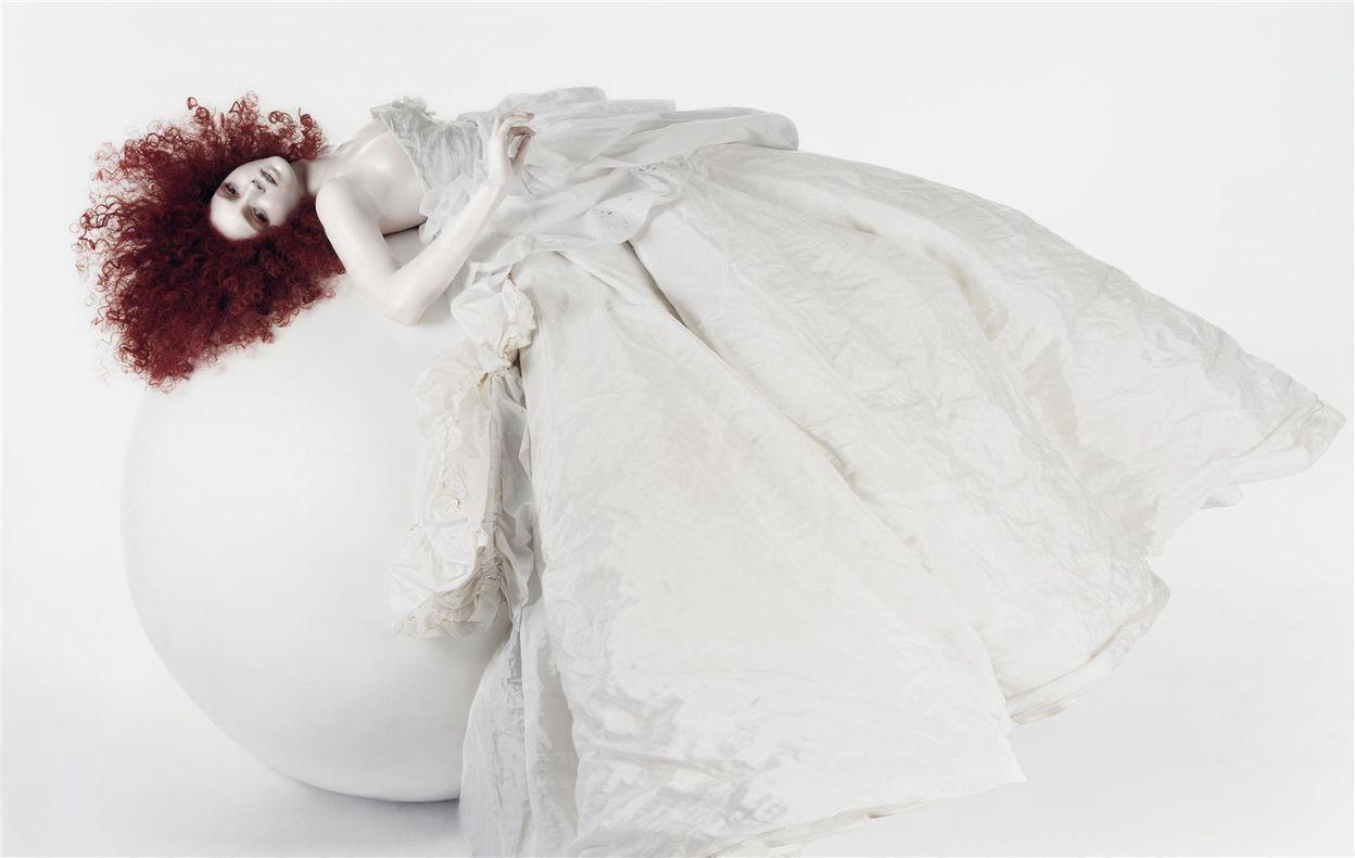 Лили Коул в фотосессии Сольве Сундсбо