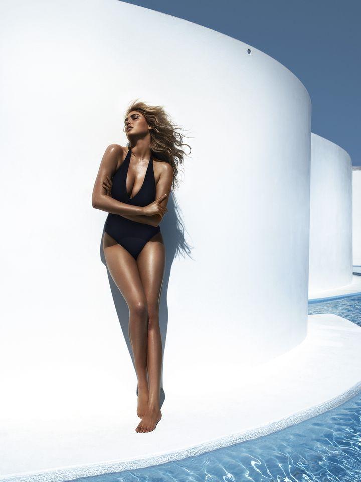 Кейт Аптон в фотосессии Мигеля Ревериего для журнала Vogue Spain