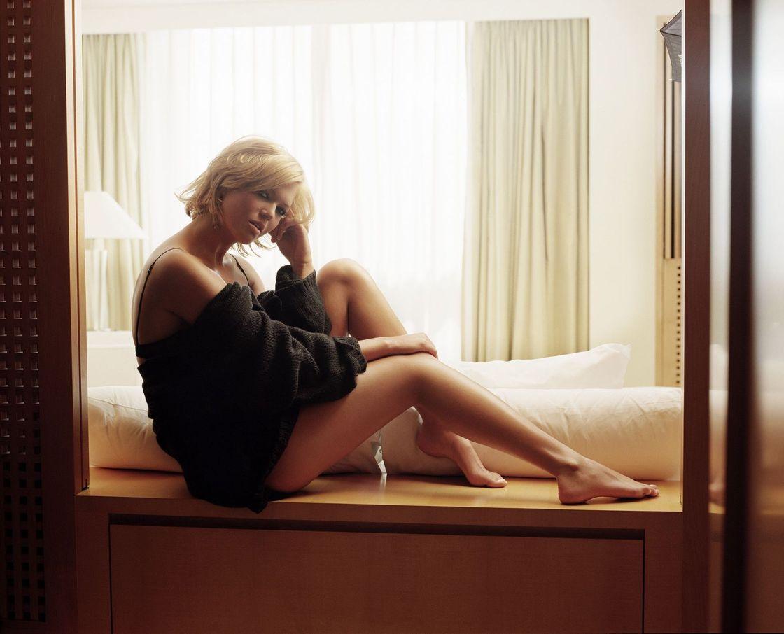 Мэнди Мур в фотосессии Арта Штрайбера для журнала InStyle