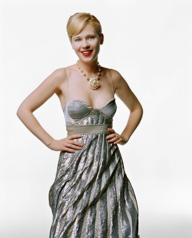 Зои Дешанель в фотосессии Криса Милитшера для журнала Vogue