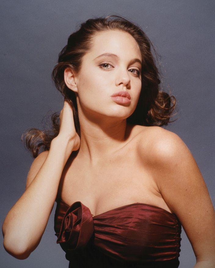 Анджелина Джоли в 1989 году в фотосессии Гарри Лэнгдона