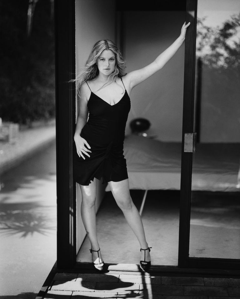 Дрю Бэрримор в фотосессии Марка Селиджера для журнала Vanity Fair