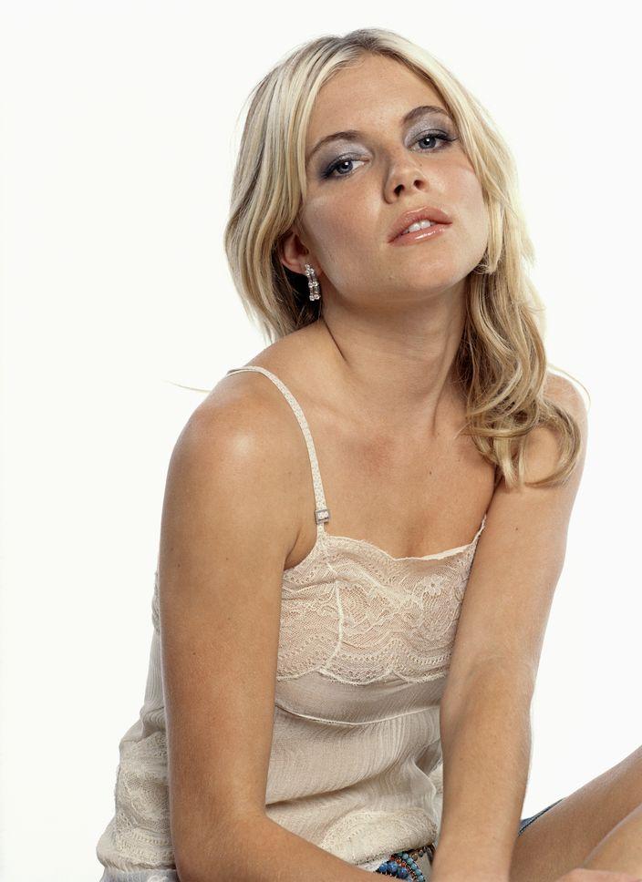 Сиенна Миллер в фотосессии Кейт Мартин