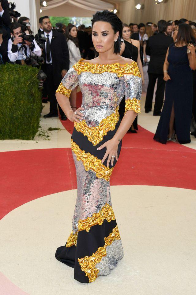 Ежегодный бал института костюма от журнала Vogue - 02.05.2016, Деми Ловато