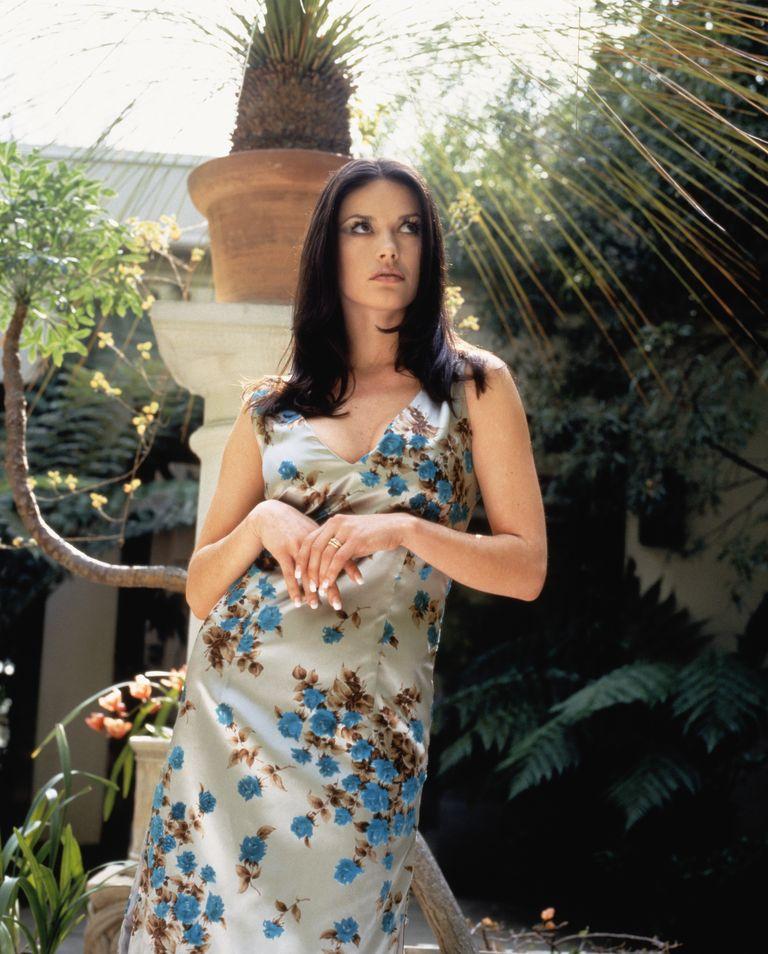 Кэтрин Зета-Джонс в фотосессии Альберта Санчеса