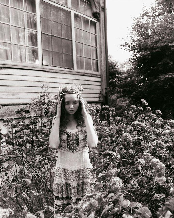 Лили Коул в фотосессии Картера Смита