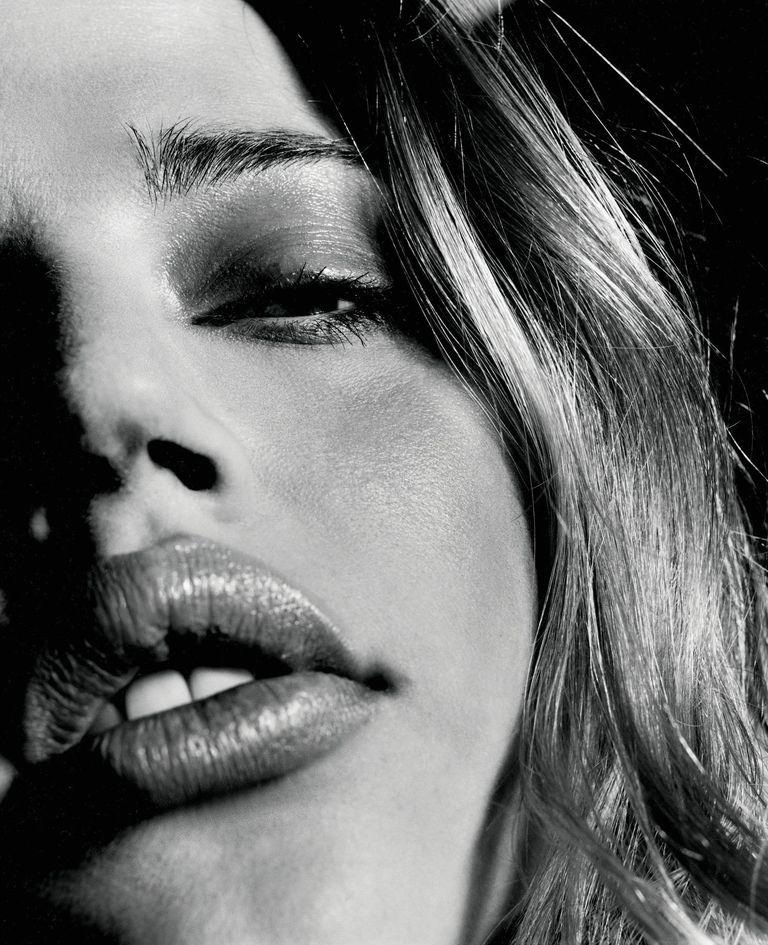 Эстелла Уоррен в фотосессии Джона Ранкина для журнала Arena