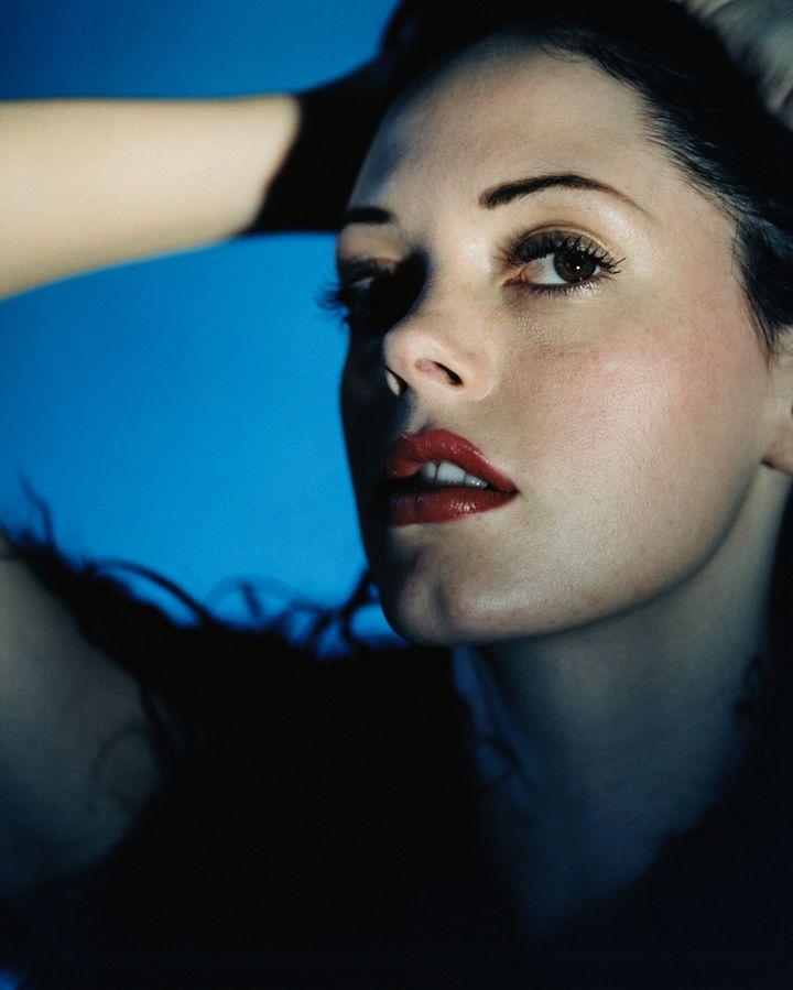 Роуз Макгоун в фотосессии Кейт Гарнер