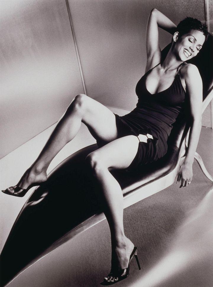 Холли Берри в фотосессии Антуана Вергла для журнала Maxim