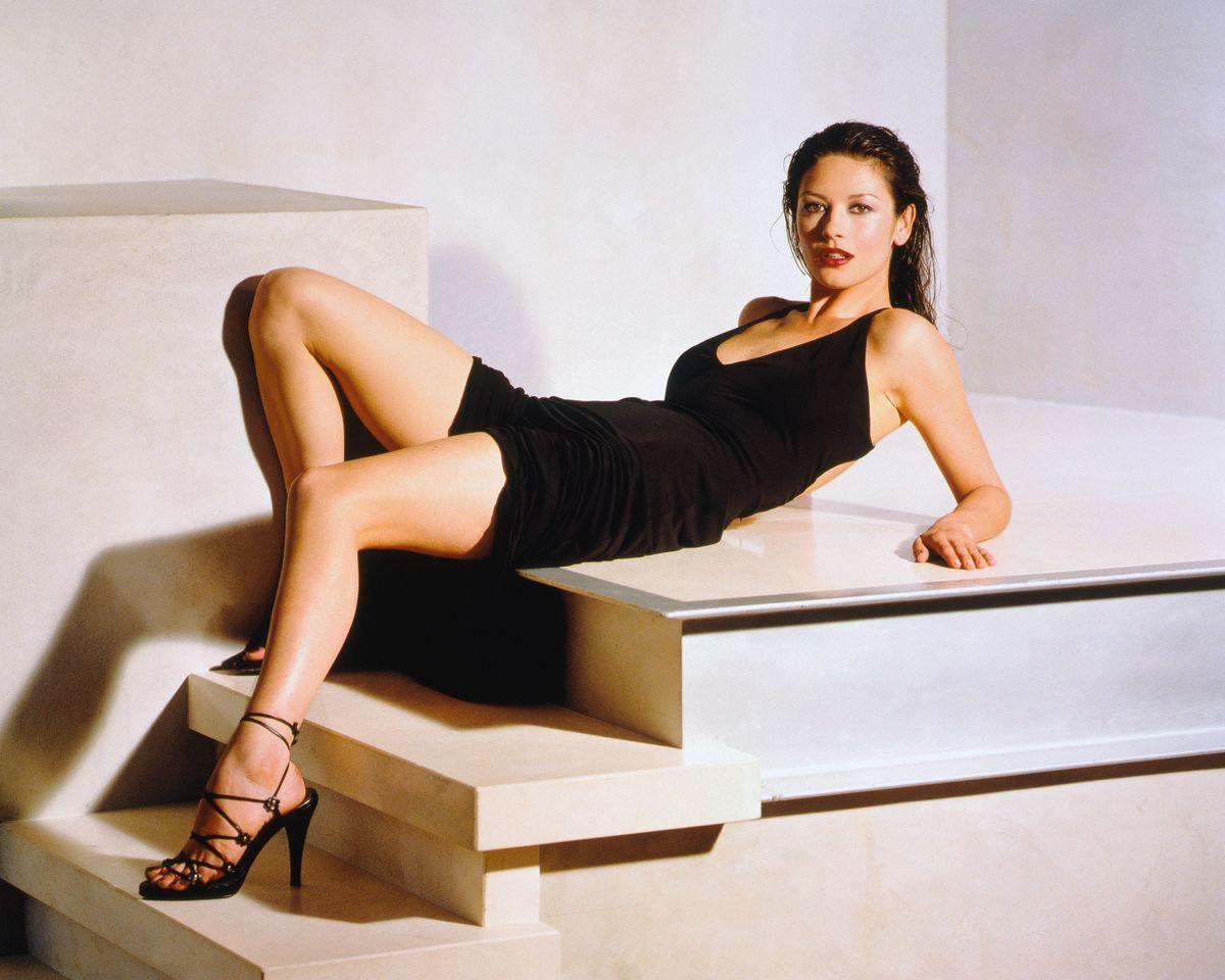 Кэтрин Зета-Джонс в фотосессии Ланса Стэдлера