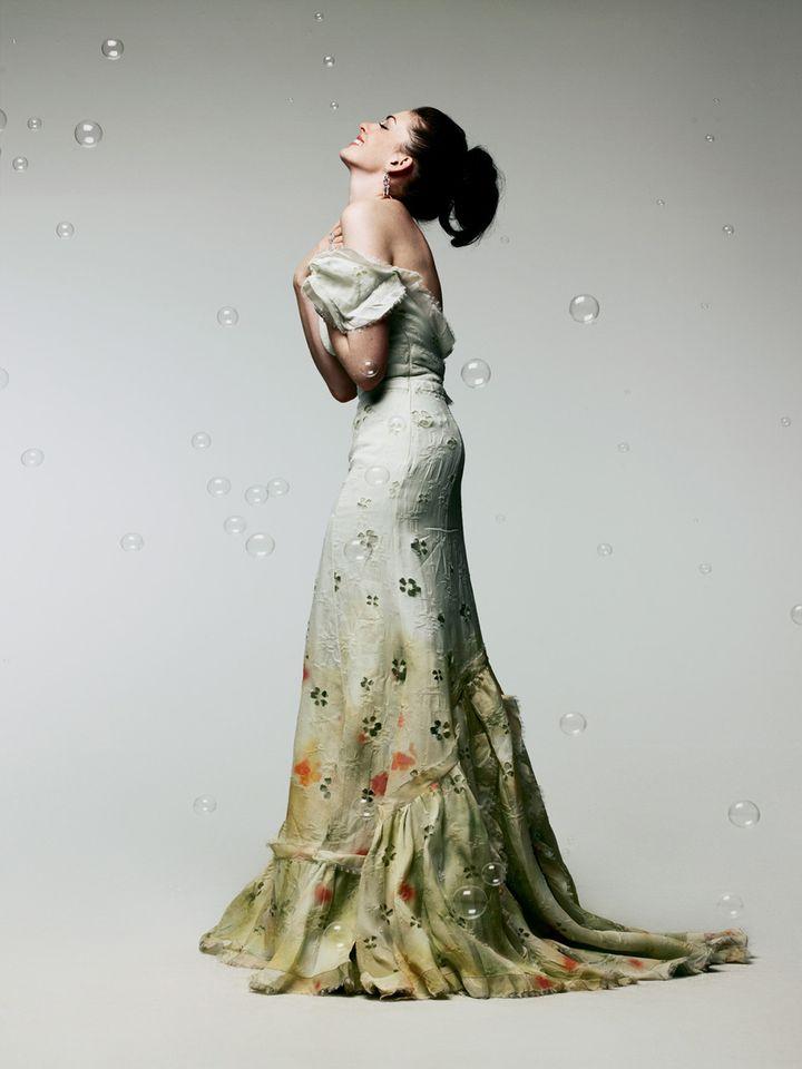 Энн Хэтэуэй в фотосессии Сатоши Сайкуса