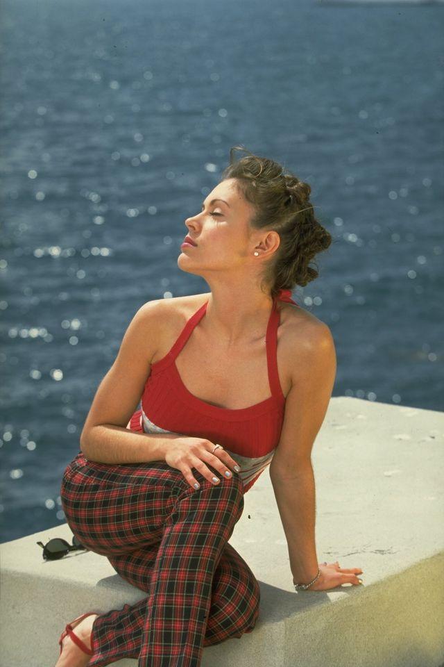 Алисса Милано в фотосессии Эрика Робертса