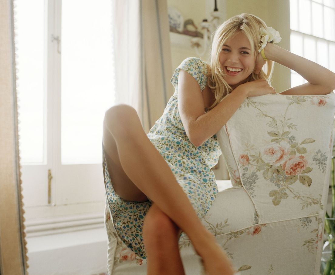 Сиенна Миллер в 2002 году в фотосессии Дугласа Мотта