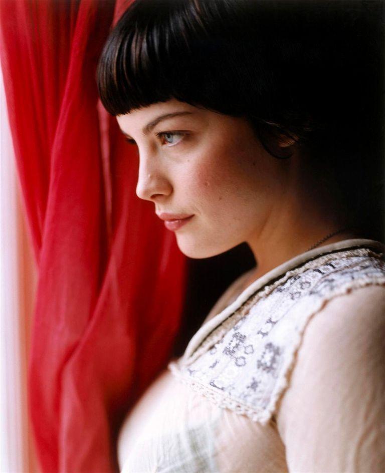 Лив Тайлер в фотосессии Картера Смита для журнала Vogue UK