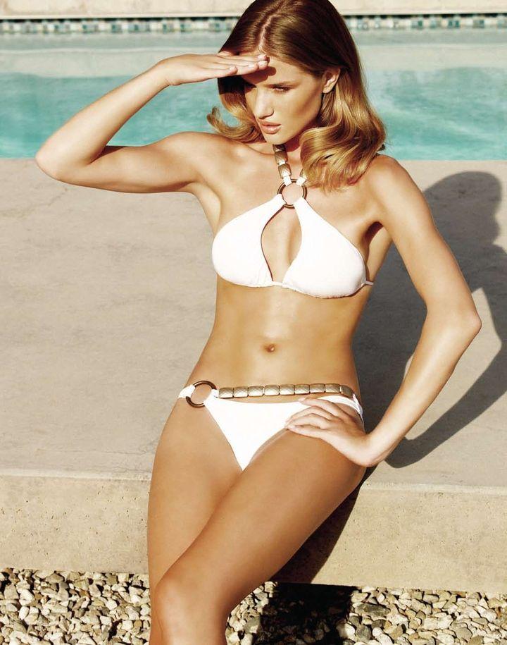 Роузи Хантингтон-Уайтли в рекламе купальников Beach Bunny