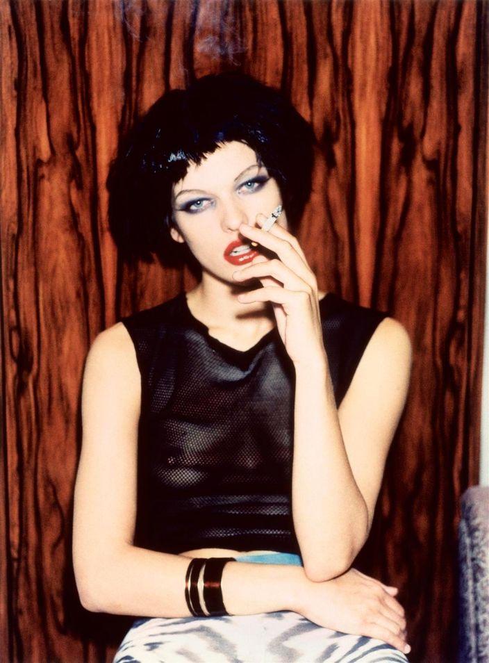 Милла Йовович в фотосессии Эллен фон Унверт для журнала The Face