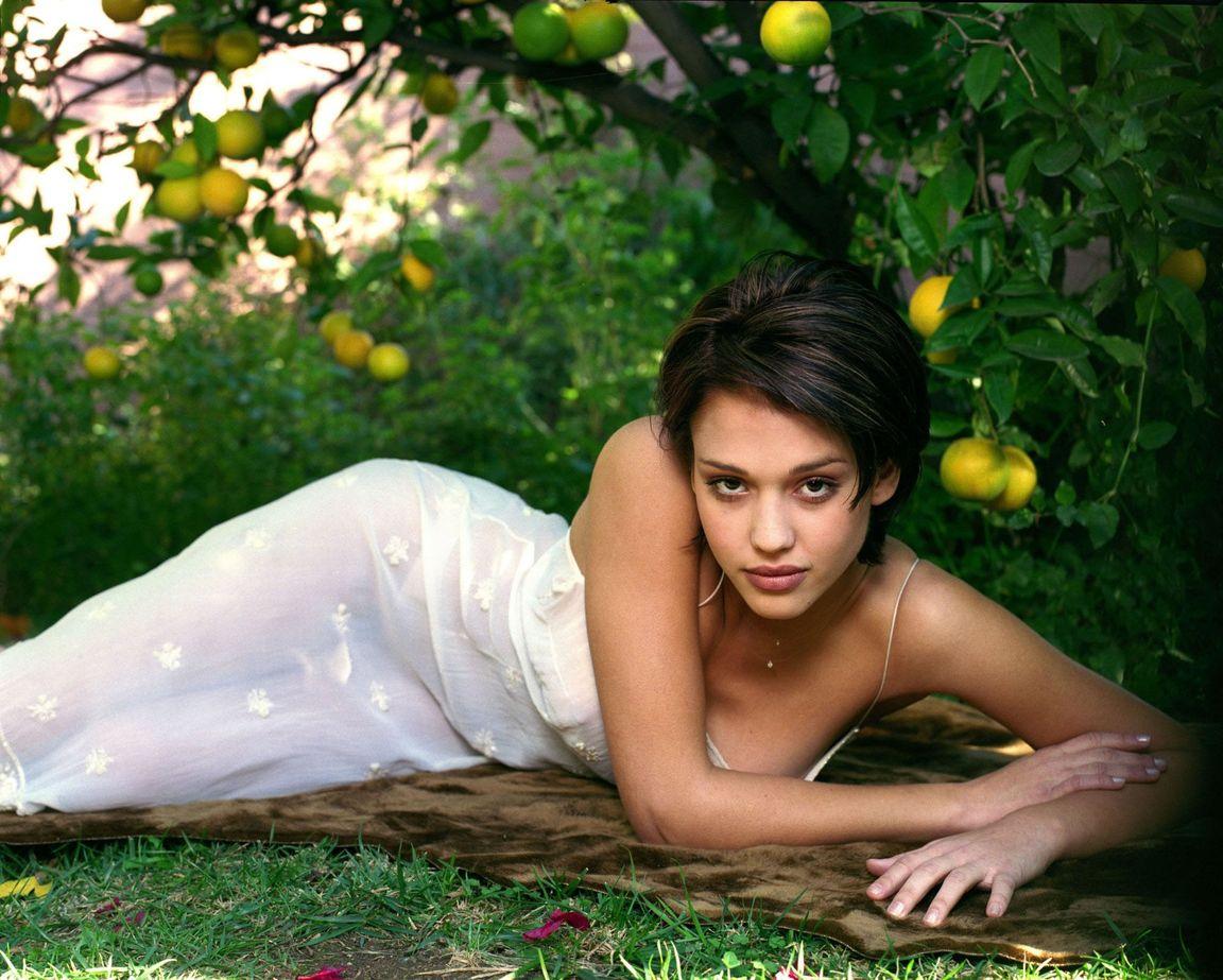Джессика Альба в фотосессии Патрисии де ла Роса