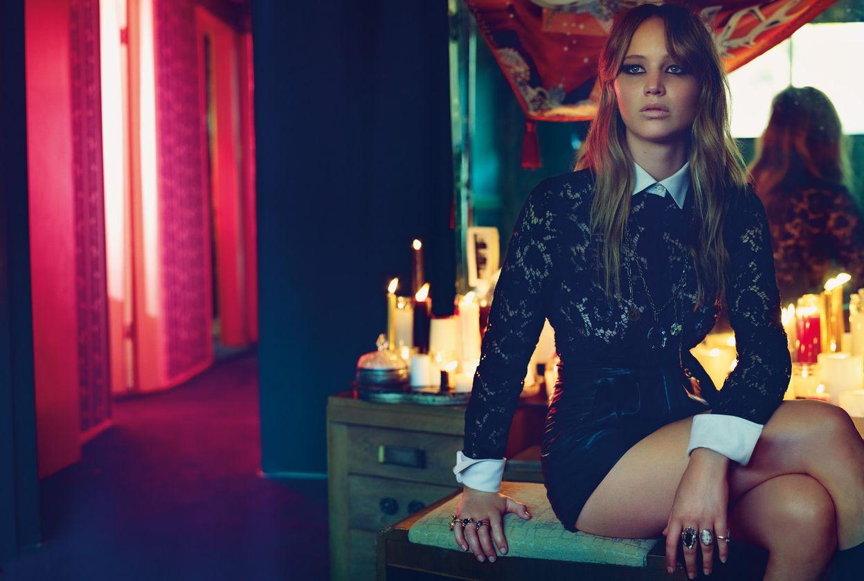 Дженнифер Лоуренс в фотосессии Аласдера Маклеллана для журнала Vogue