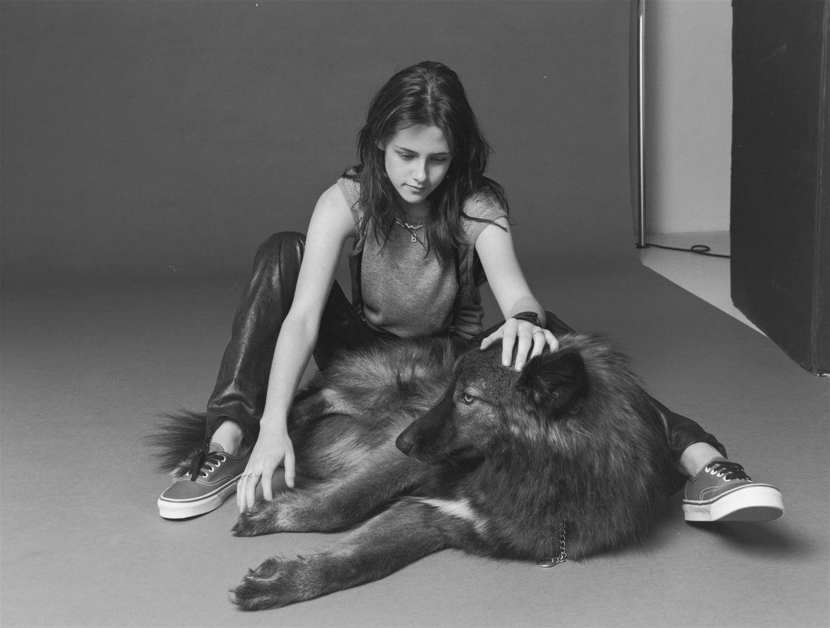 Кристен Стюарт в фотосессии Колье Шорра