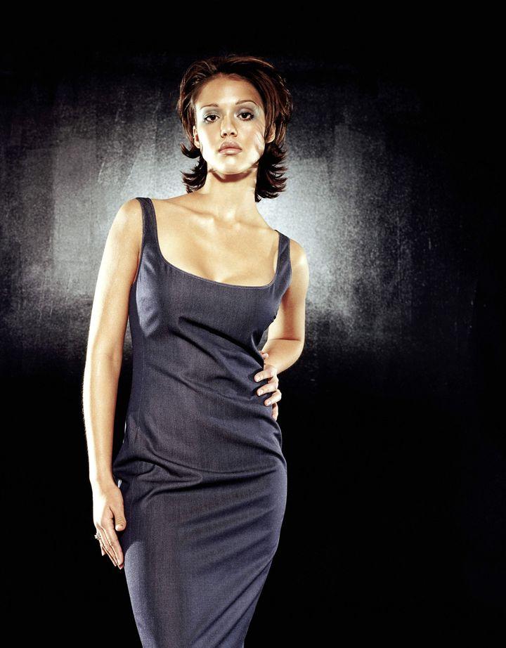 Джессика Альба в фотосессии Марка Селиджера для журнала Ocean Drive