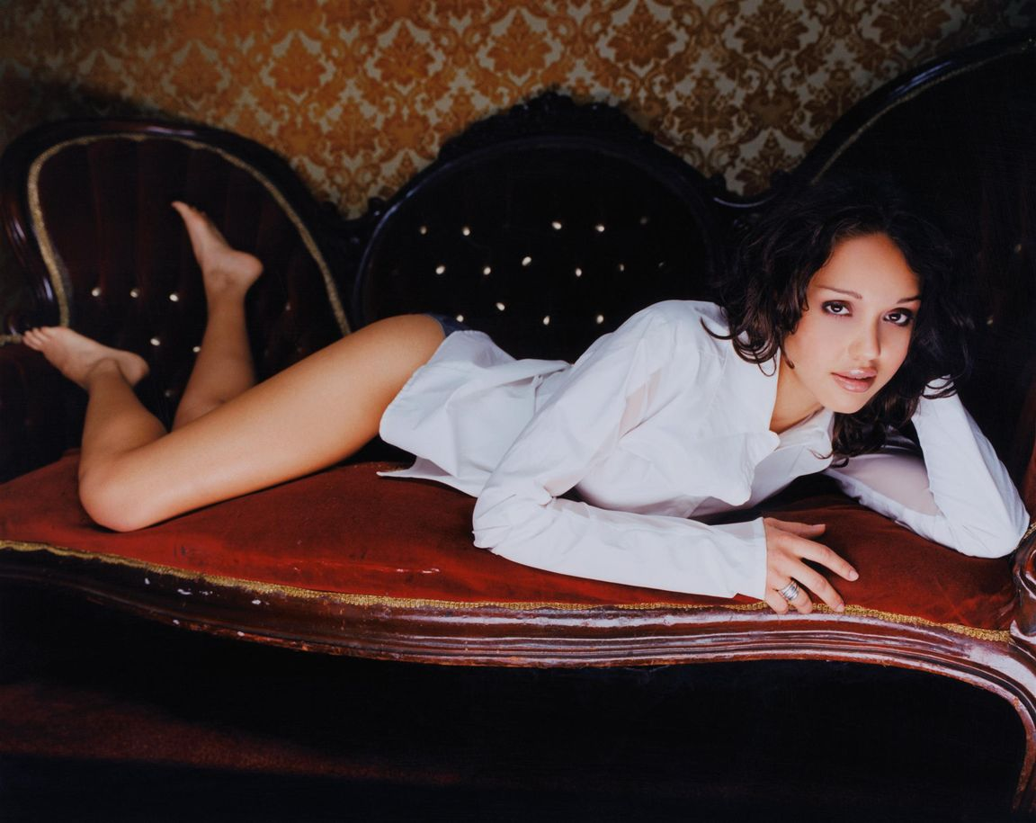 Джессика Альба в фотосессии Стива Шоу для журнала Razor