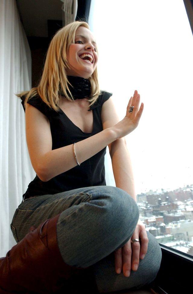 Мина Сувари в фотосессии Дженнифер Алтман